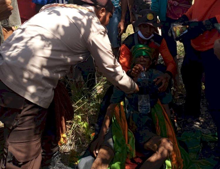 Polsek Hahar, Babinsa dan Basarnas Evakuasi Warga Yang Dilaporkan Hilang Saat Mencari Madu di Hutan