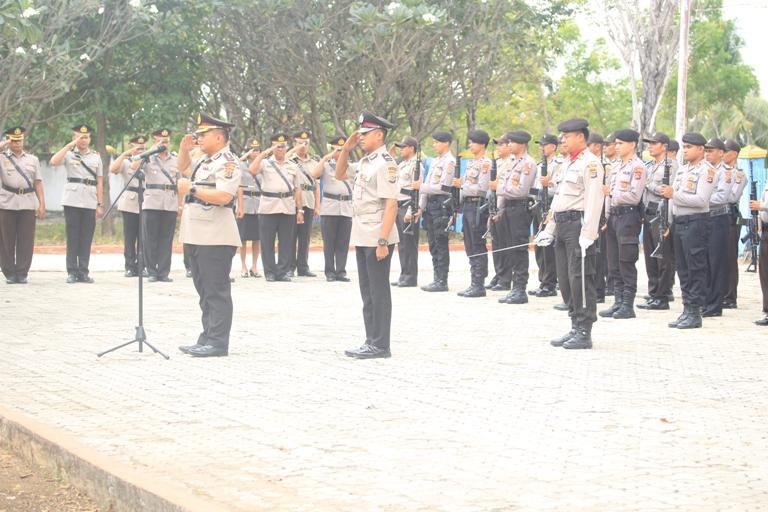 Polres Sumba Timur Gelar Upacara Ziarah TMP Umbu Ndawa Kareuk