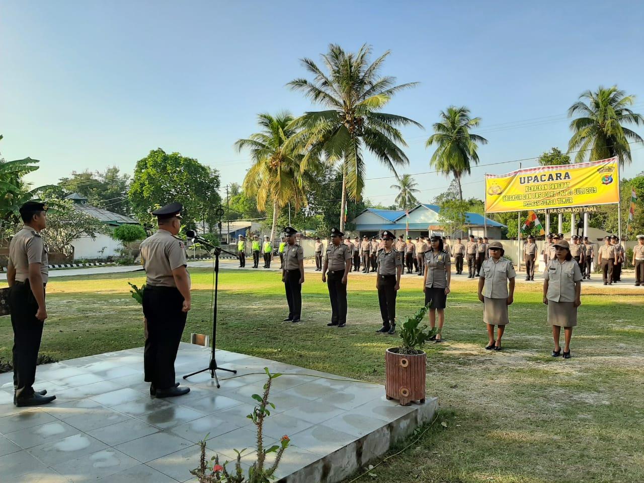 Puluhan Personel Polres Sumba Timur Dapat Kado Spesial di Hari Bhayangkara Ke 73
