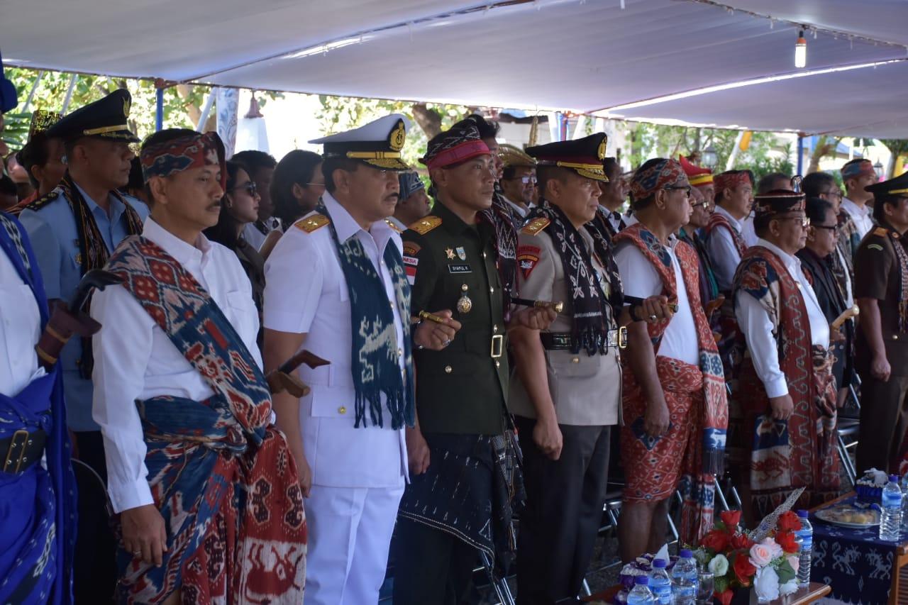 Kapolda NTT Hadiri Upacara HUT NTT ke 61 di Kabupaten Sumba Timur
