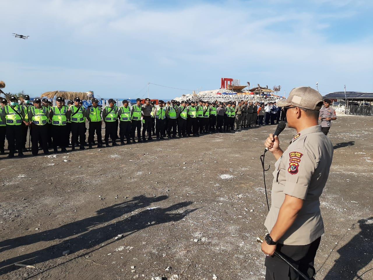 Malam Puncak HUT NTT dan HUT Slank, Kapolres Sumba Timur : Kita Siap Amankan Kegiatan Malam Hari Ini