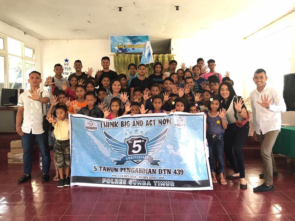 DTN 439 Sumba Timur Berbagi Kasih di Anniversary ke 5